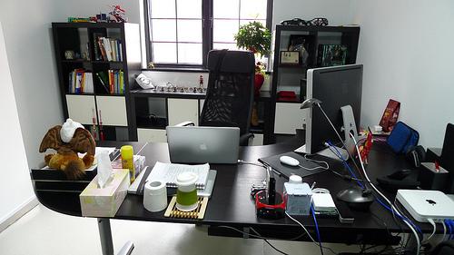 Dashhuang_desktop.jpg